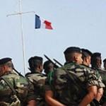 Militaires français et drapeau français